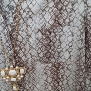Apt. 9 Tops - Apt 9 High- Low button front blouse in snakeskin
